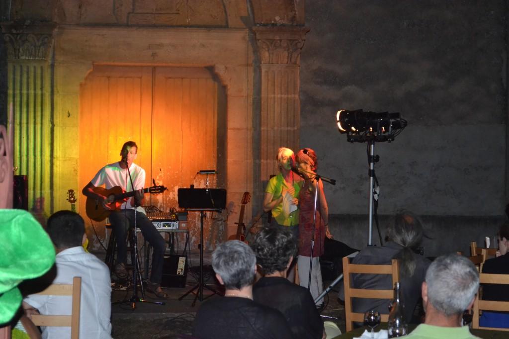 concert devant temple 27 juillet 2013 043