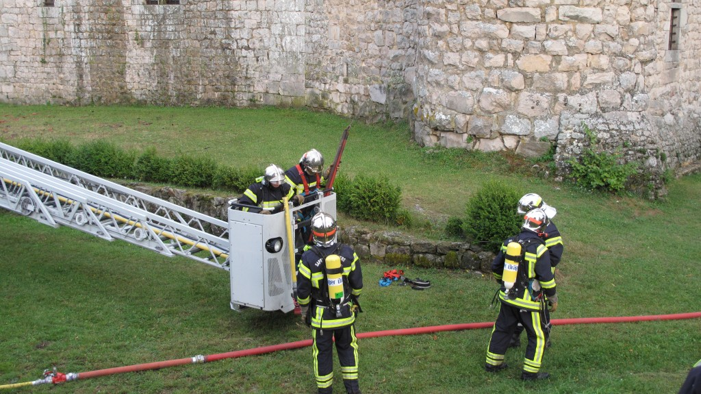 binome interention incendie SDISpompier  maisonseule