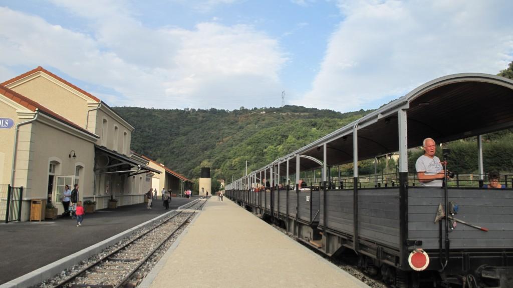 quai gare St Jean de muzols