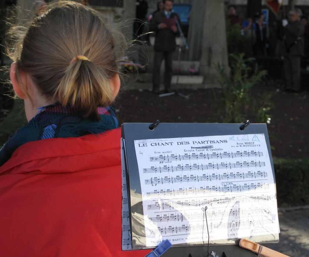 chants des partisants , lamastre 11 novembre 2013 fanfare