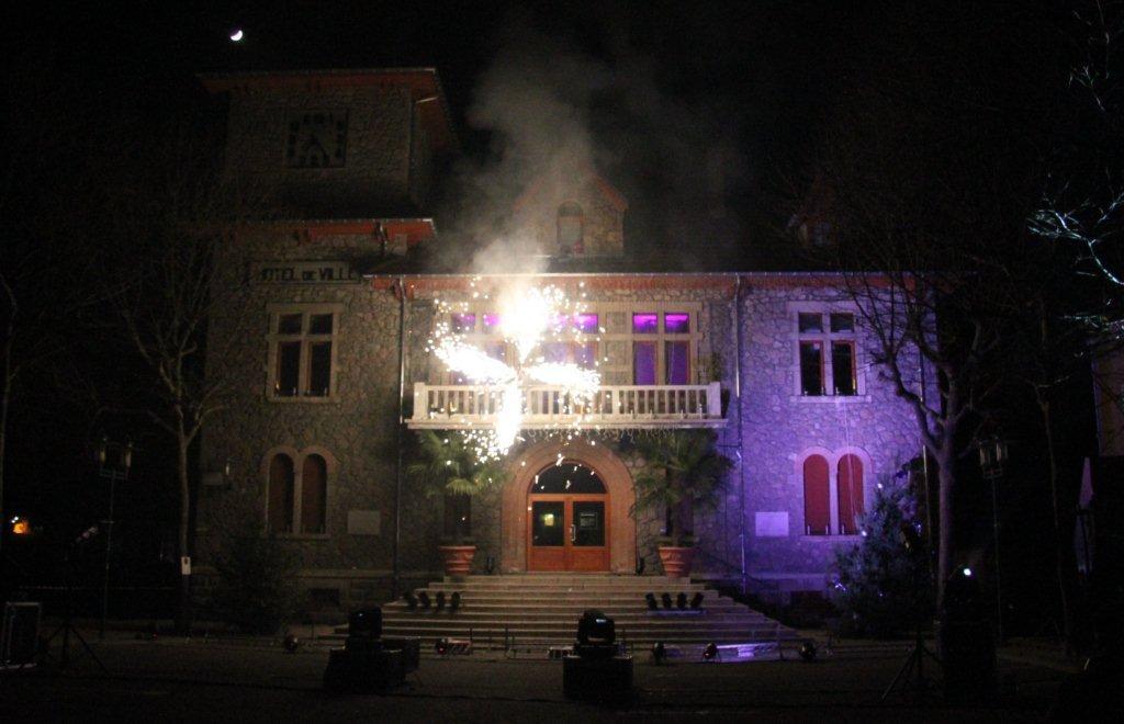 Marché de Noël lamastre feu artifice mairie