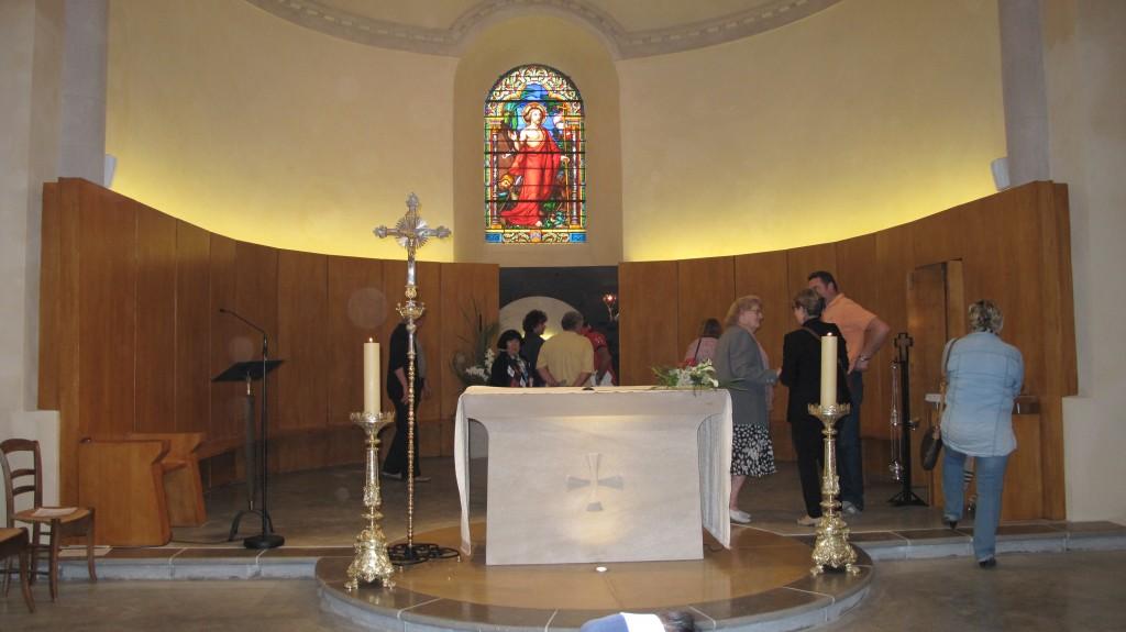 autel et choeur  eglise macheville