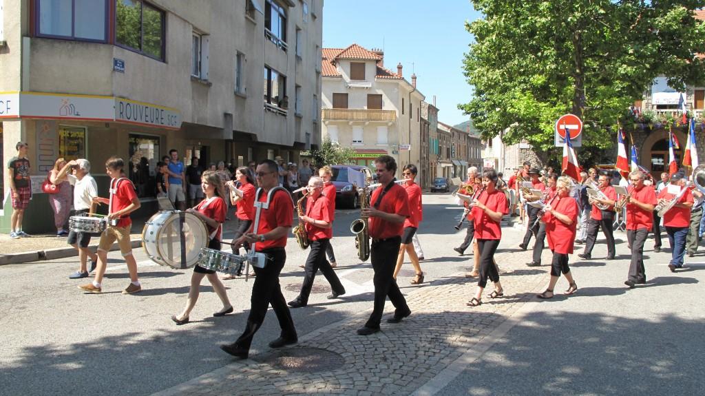défilé 14 juillet 2015 fanfare lamastre
