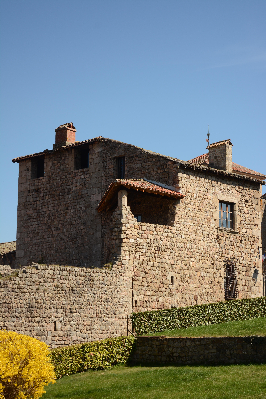 chateau medieval desaignes