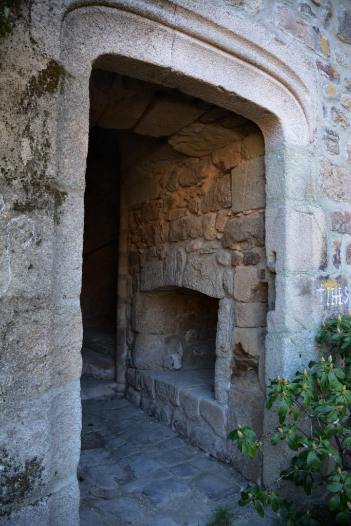 musee desaignes medieval porte exterieure