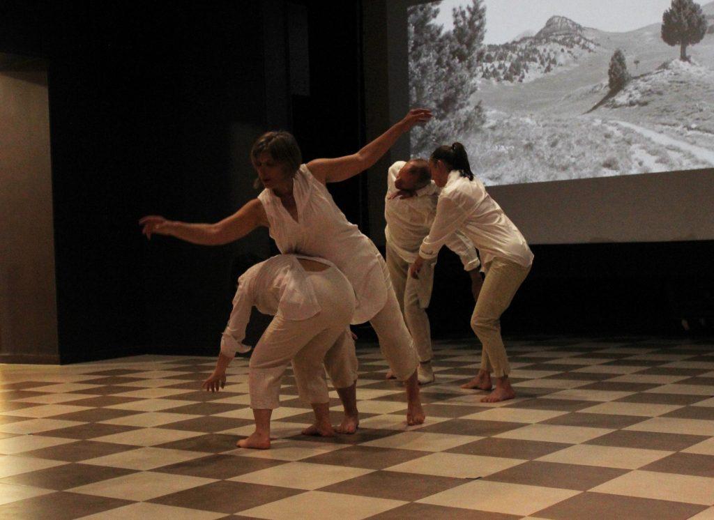 Danse au fil d'avril 1 espace ouvert
