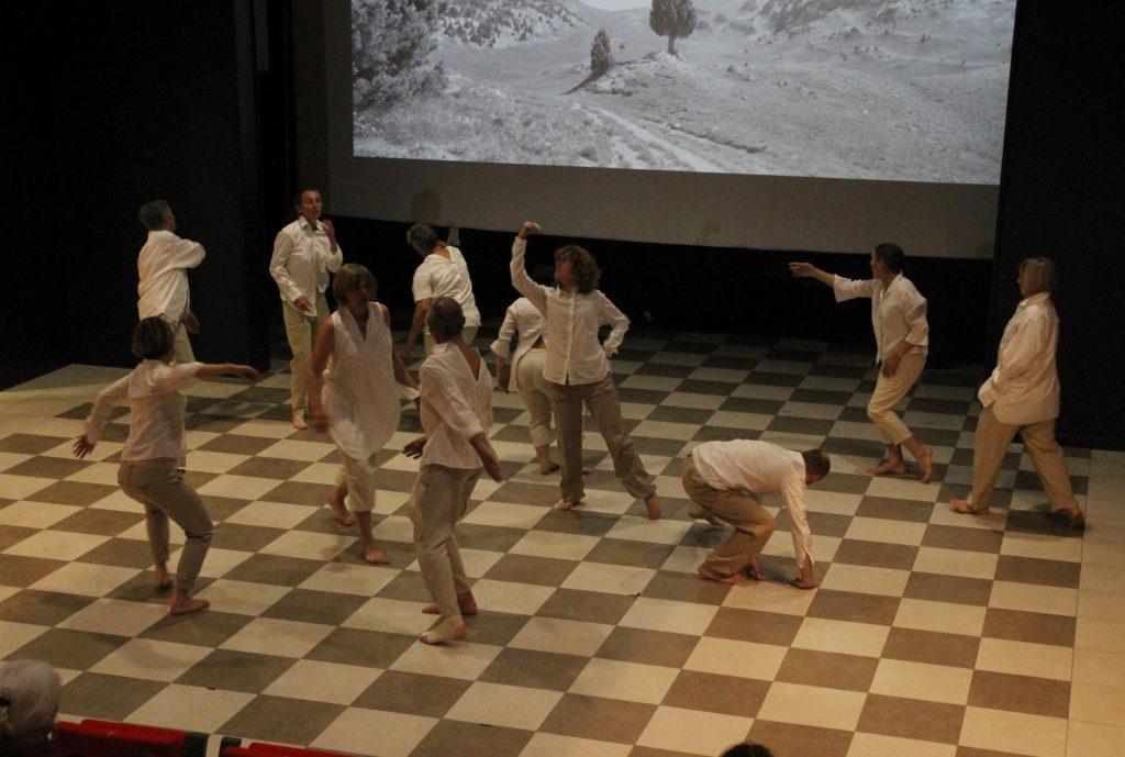 Danse au fil d'avril 2 espace ouvert