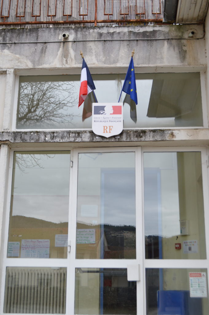 pavoisement ecole laique republicaine lamastre
