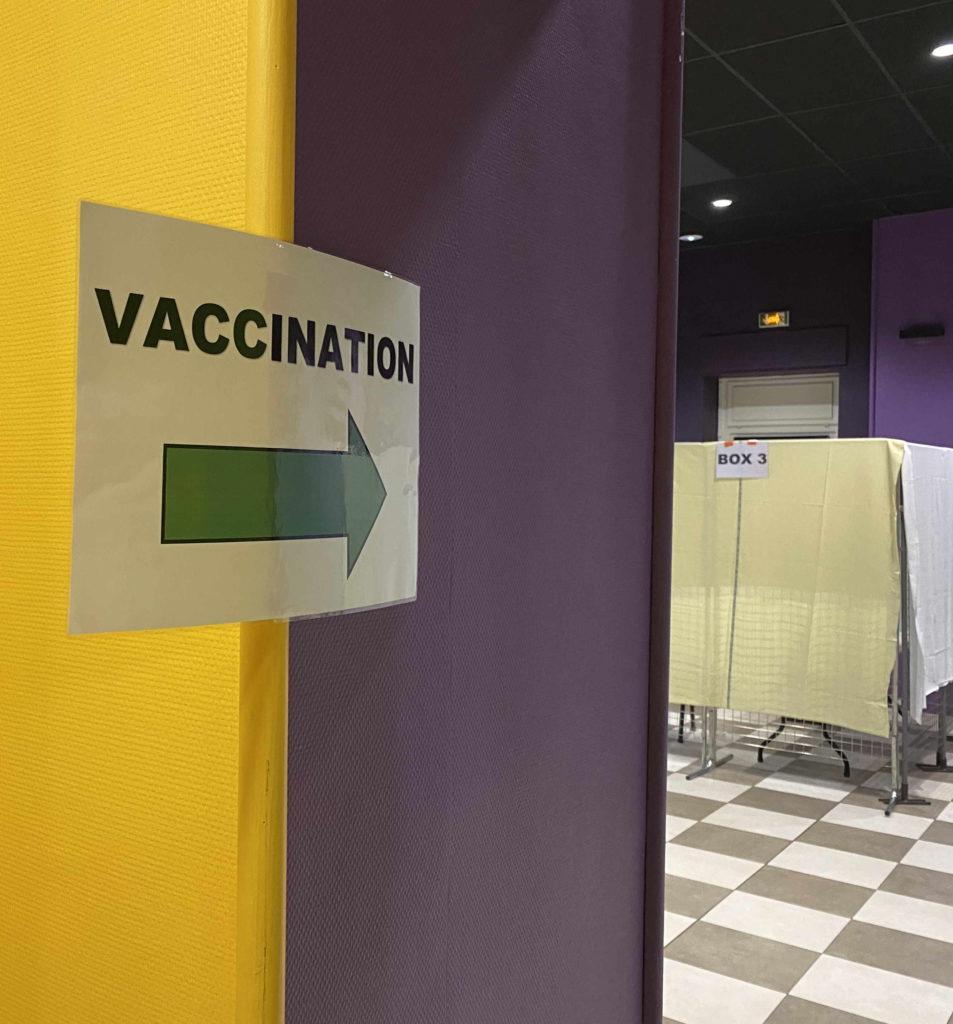 signalétique centre vaccination covid lamastre